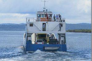 booral river heads fraser island barge