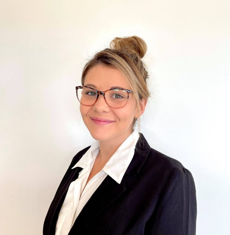 Elizabeth O'Keefe Real Estate Sales Person / Personal Assistant